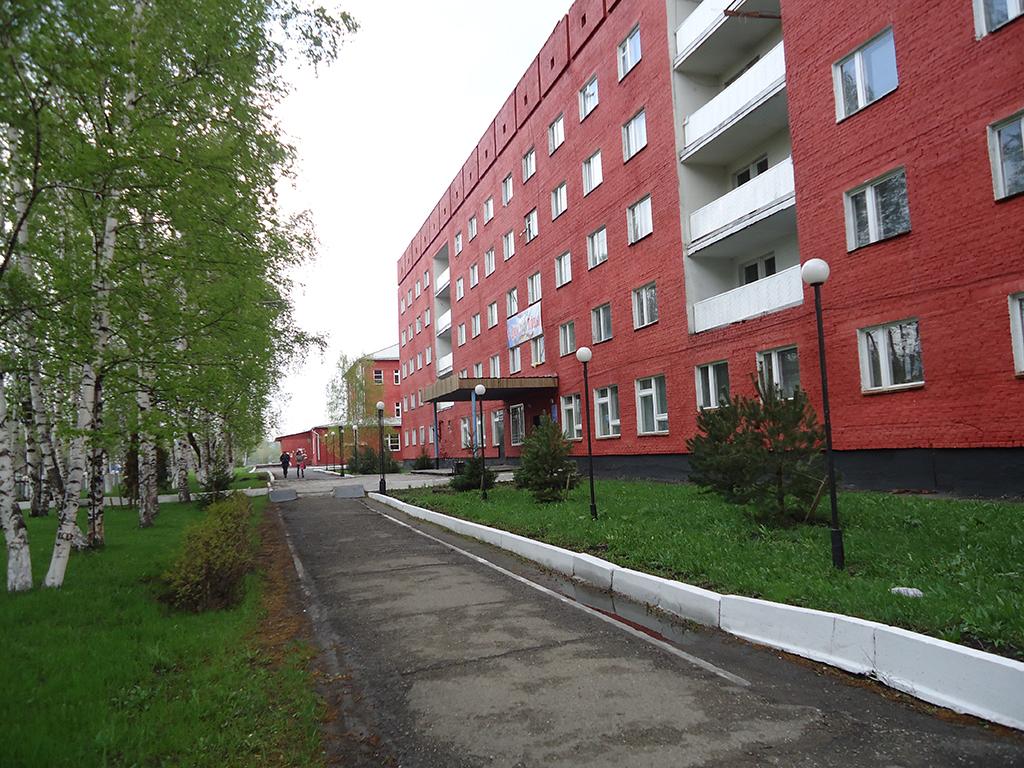 e6e127aa1ddc Пятиэтажное кирпичное здание общежития расположено по адресу  г. Новокузнецк,  ул. Зыряновская, 99а. В настоящее время в нем проживает 177 обучающихся.